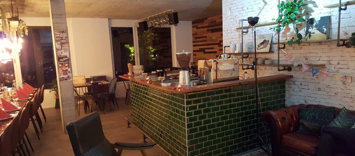 Die Riverside Lounge ist geboren